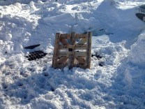 it is good to keep a pallet handy for a snow day