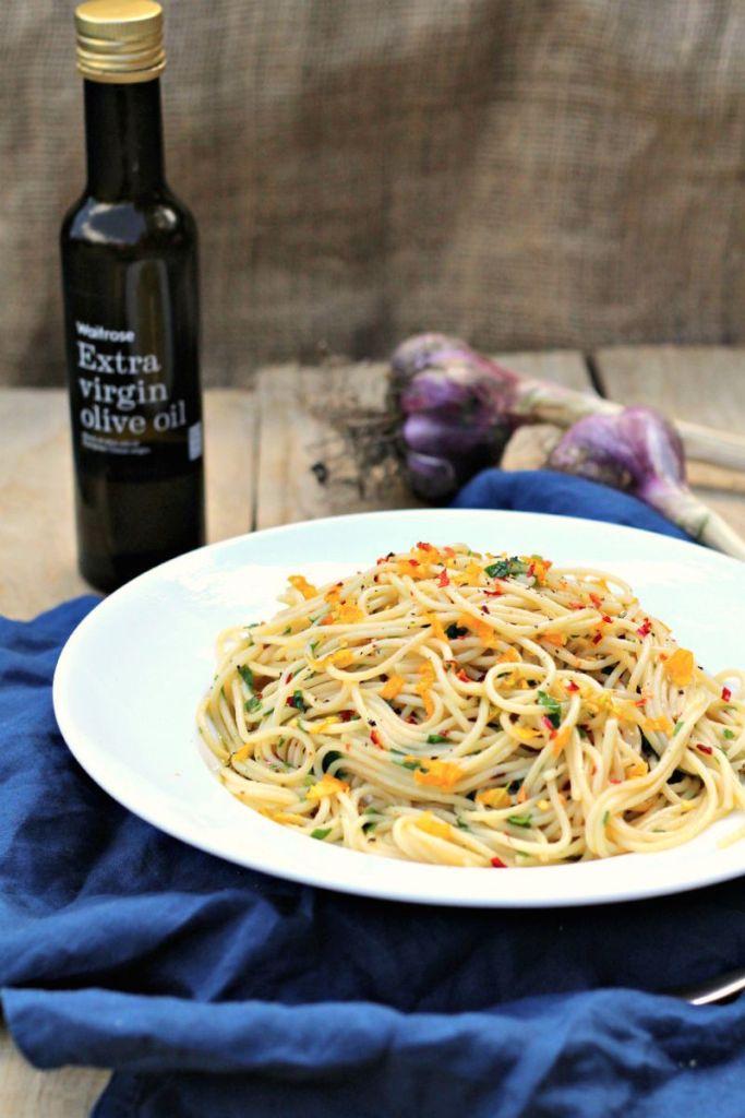Courgette flower spaghetti olio e aglio