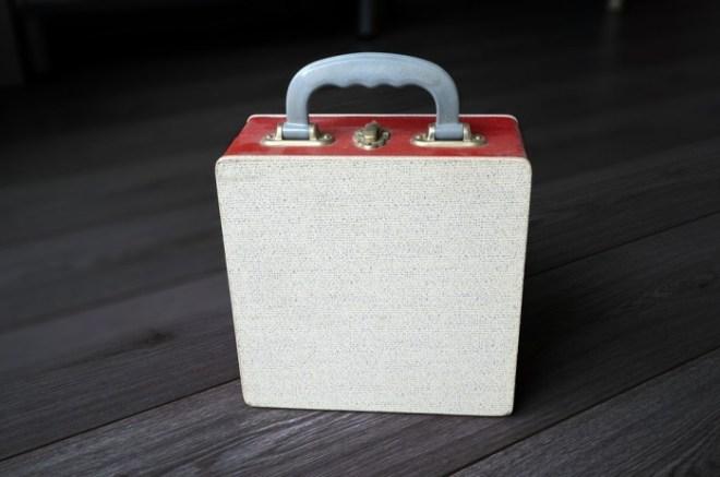vintage-portable-vinyl-record-box-815015_960_720