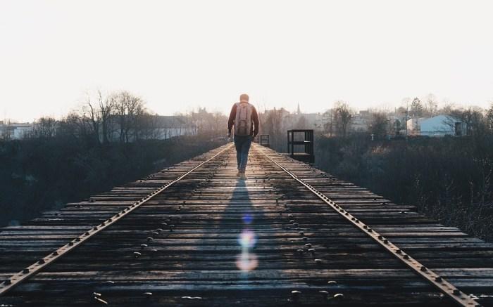 train-tracks-1081672_960_720a