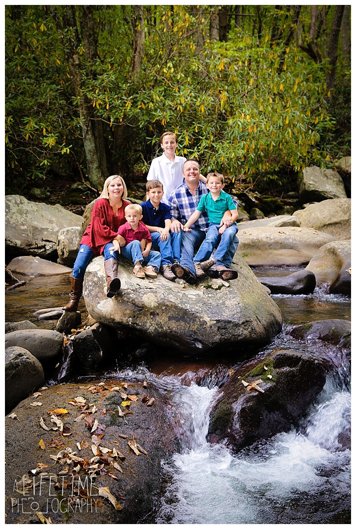 Family Photographer  Chimney Tops Picnic Area  Smoky