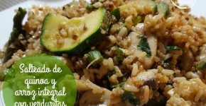 Salteado de quinoa y arroz integral con verduritas y tofu