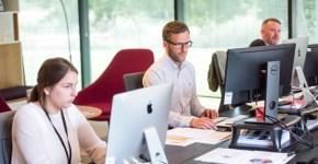 Pantallas de ordenador: cómo trabajar seguro