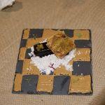 Turrón de foie selectos de castilla con praliné de frutos secos y vinagreta de cacao.