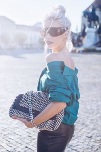 Everyday looks: Leather skirt & emerald the green vintage shirt.