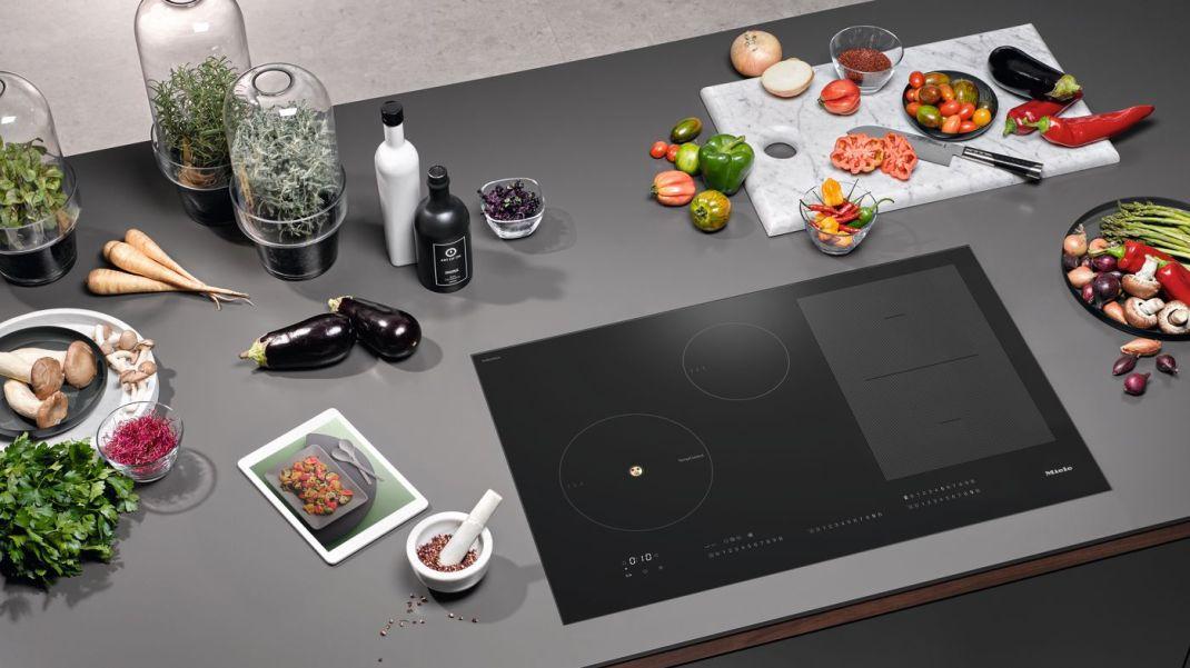 Miele duce inteligența artificială în bucătărie și lansează prima cameră video HD ce recunoaște  mâncarea