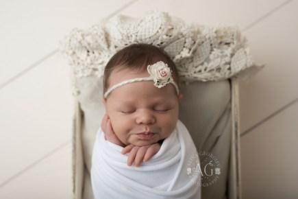 Plano-Newborn-Photographer-Baby-Everly-2