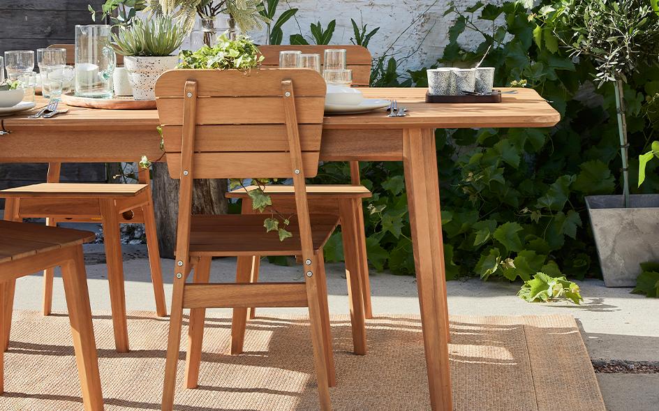 ensemble de table et chaise de jardin