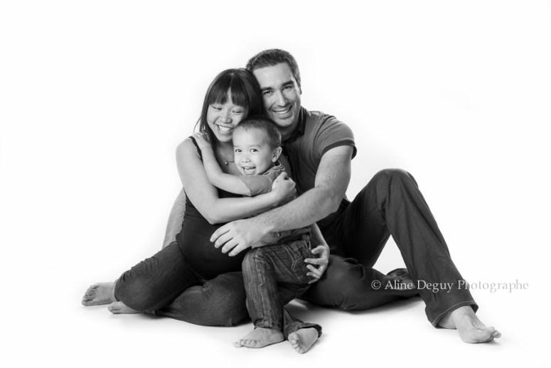 photographe, famille, studio, grossesse, femme enceinte, 92, Hauts de seine, Aline Deguy