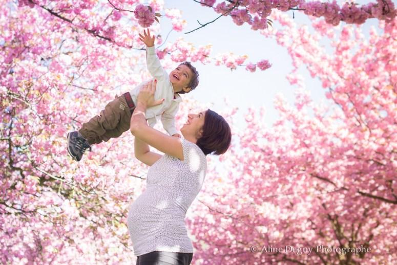 shooting, femme enceinte, pregnancy, photographe, séance photo, aline deguy, sceaux, cerisiers en fleurs, grossesse, paris, 75, 77, 78, 91, 92, 93, 94, 95