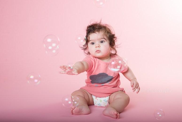 photographe, bébé, Studio, Fond rose, Puteaux, Nanterre, Suresnes