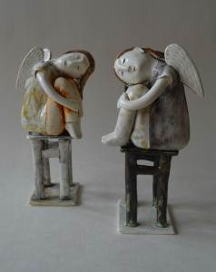 figurative-ceramics - 12v.Dreaming-Angel-1-2-faience-glazesh18
