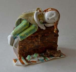 figurative-ceramics - 8a.sleeping-girl-on-the-chestfaienceglazesh-15