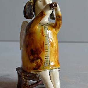 figurative-ceramics - angel-with-horn-4