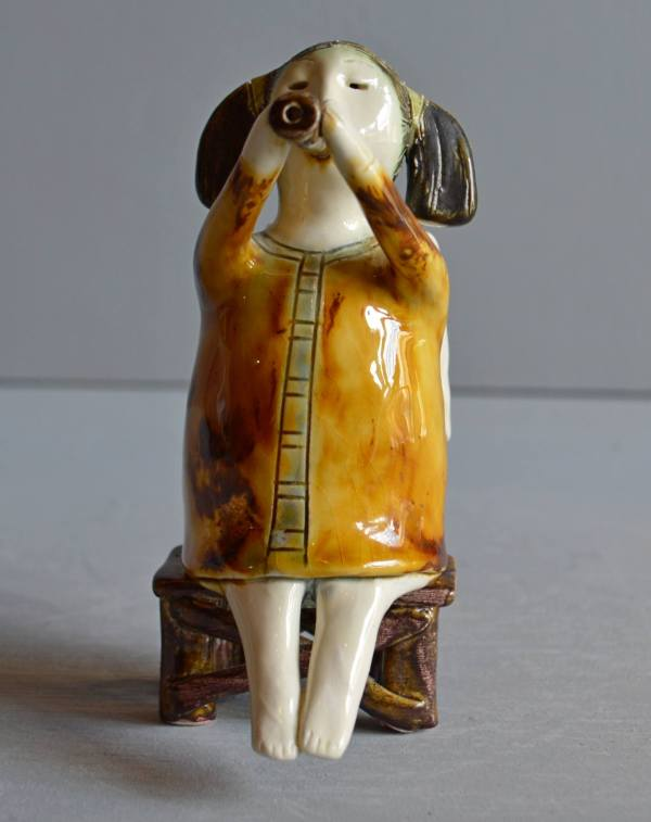 figurative-ceramics - angel-with-horn