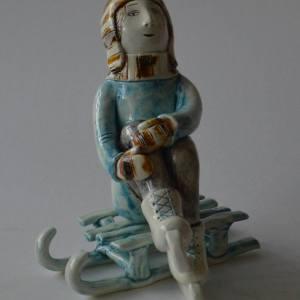 figurative-ceramics - going-to-skating-rink-1