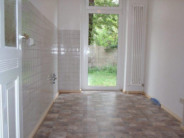 Küche neu mit Tür