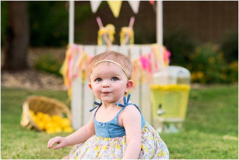 Kate's 1st Birthday Lemonade Session