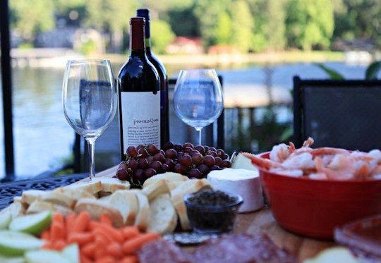 Great Cheese Platter, Party Food, Summer Party, Bread + Cheese + Wine