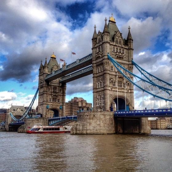 Tower Bridge, Snapshots of London