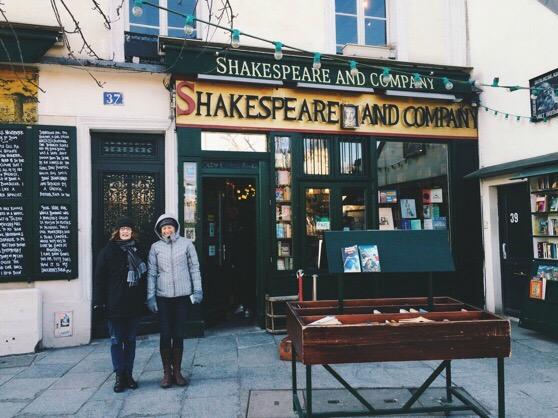 Snapshots of Paris, Paris in Winter, Shakespeare and Company
