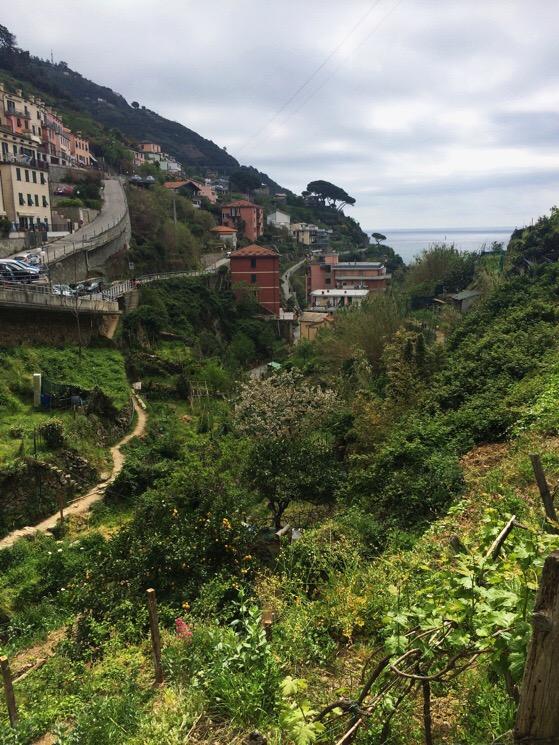 Hike from Manarola to Riomaggiore, Italy, Cinque Terre, AlisonChino.com