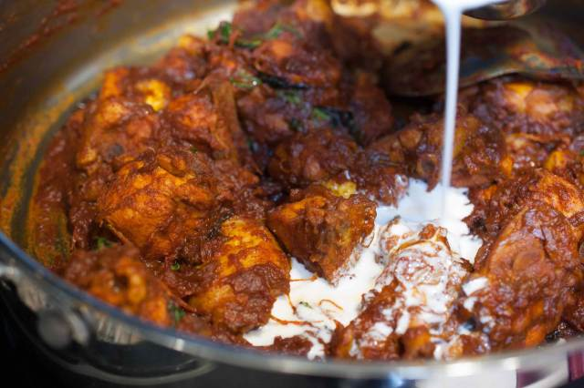Chicken curry with semi thick gravy well flavored with spices and coconut milk. It goes well with pathiri, any sort of rice variants ( ghee rice, pulao, normal rice), chapati, parotta/paratha, appam or any other Indian breads.