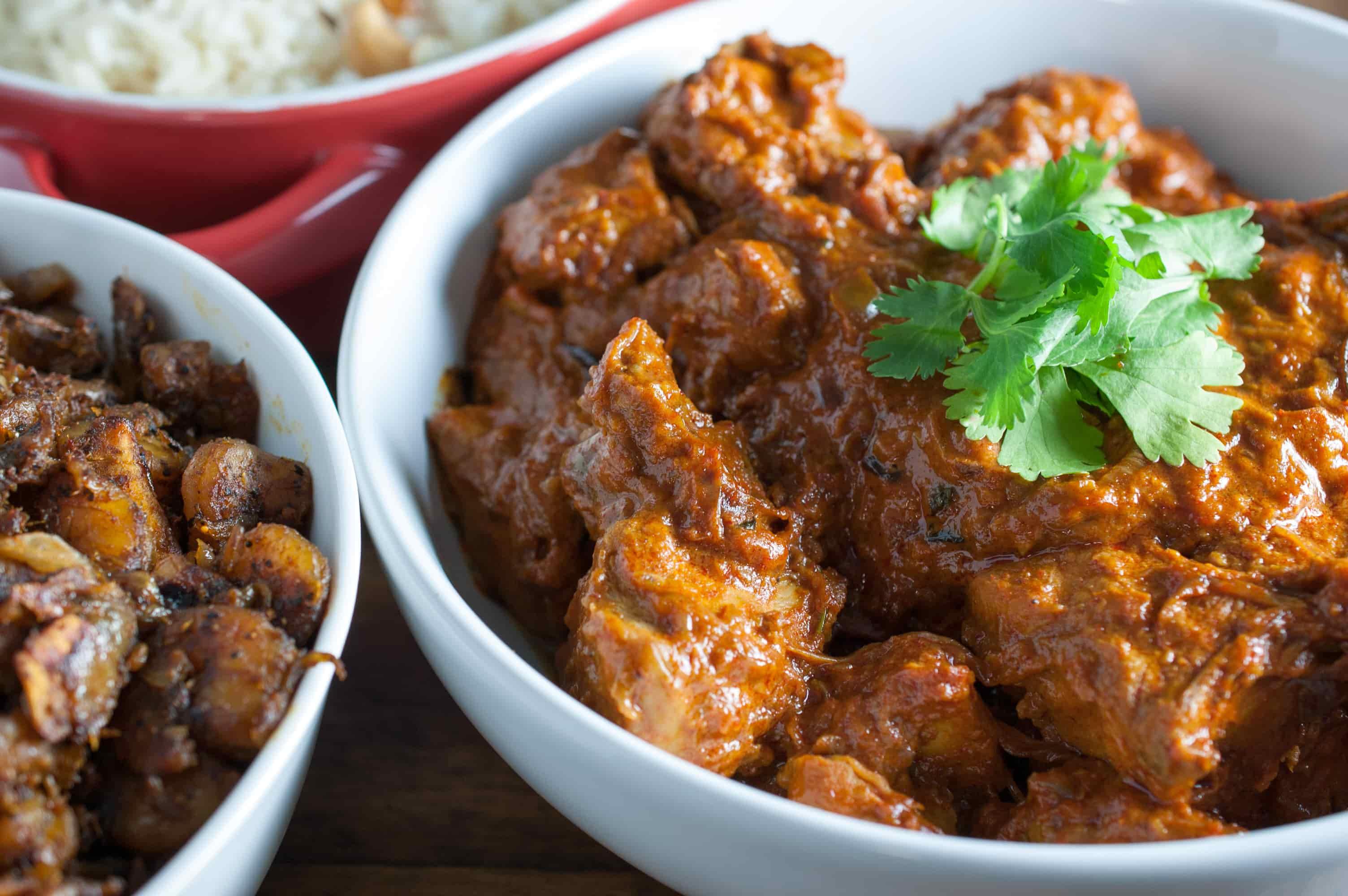 Kerala chicken curry recipe with coconut milk (Nadan chicken curry)