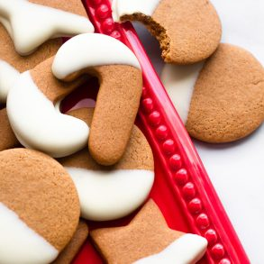 White chocolate dipped gingerbread cookies | A Little Food
