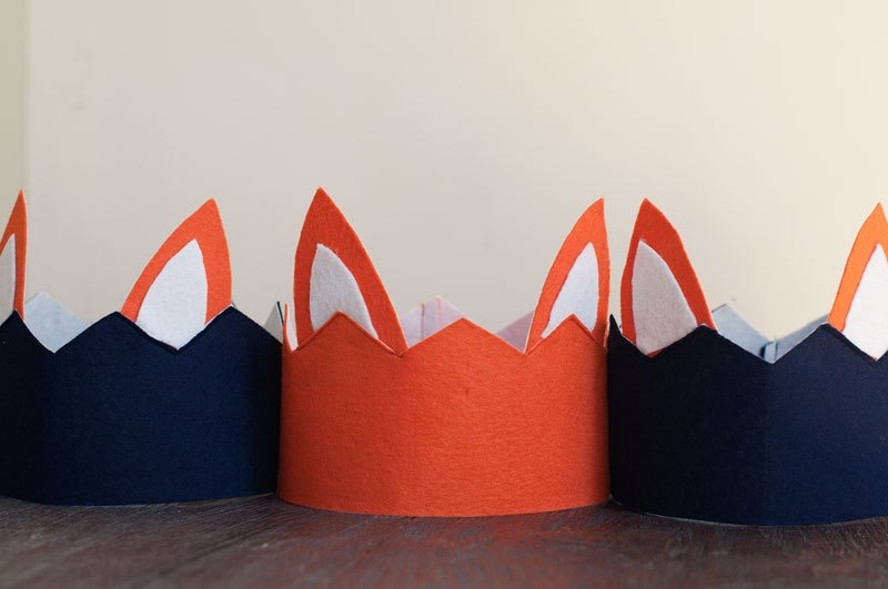 Nine quick and easy dr seuss costumes for kids a little moore check out bonjour berry to make these fox crowns and add socks to your hands to make a super quick fox in socks costume solutioingenieria Image collections