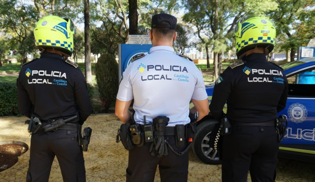 Nueva imagen y uniformes para la Policía Local de Castilleja de la Cuesta.