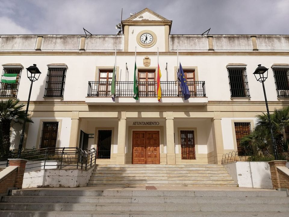 Fachada del Ayuntamiento de Castilleja de Guzmán. Foto: Ayto. Castilleja de Guzmán.