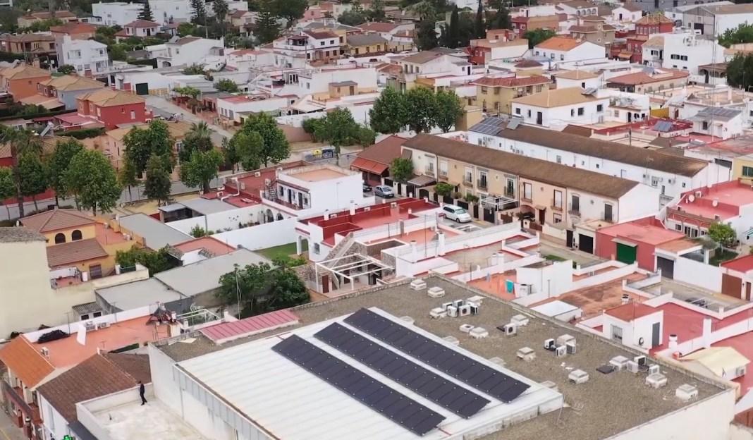 Paneles solares en Espartinas.