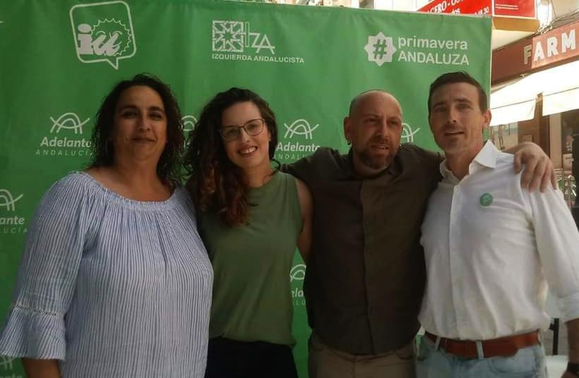 Blanca Montero junto a Ángela Aguilera, una de las expulsadas por UP, y Ernesto Alba, secretario general del PCE-A