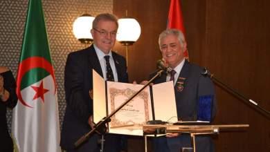 """Photo of منح وسام """"التعايش"""" لسفير الجزائر ببلغراد"""