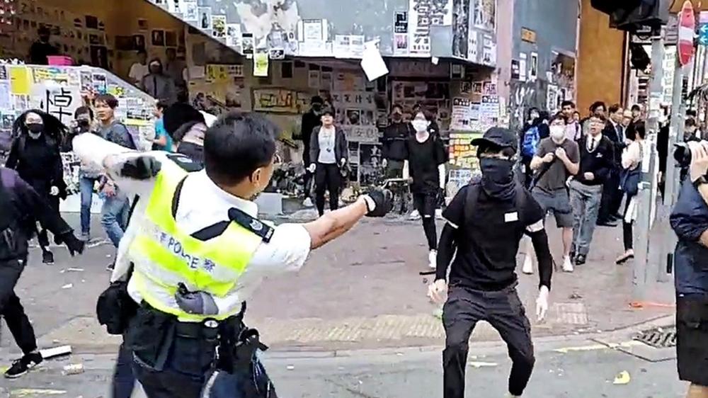 Hong Kong protester shot in street confrontation with police | Hong Kong protests News | Al Jazeera