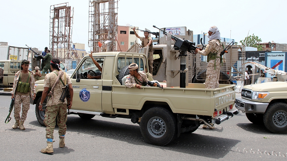 Photo of Yemeni official says no talks earlier than separatists withdraw in Aden   Yemen Information