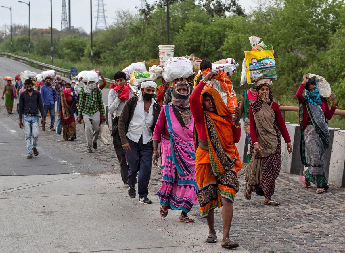 Lockdown: Number of people who help migrant laborers on Delhi-Howrah highway more than them – Lockdown: दिल्ली-हावड़ा हाईवे पर मजबूर मजदूरों की मदद करने वालों की तादाद उनसे ज्यादा