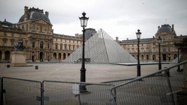 louvre reopening