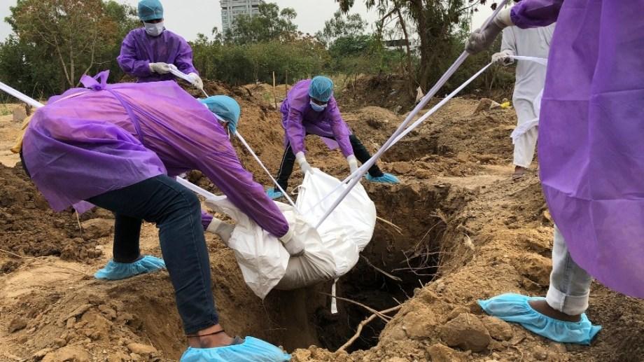 インド埋葬5