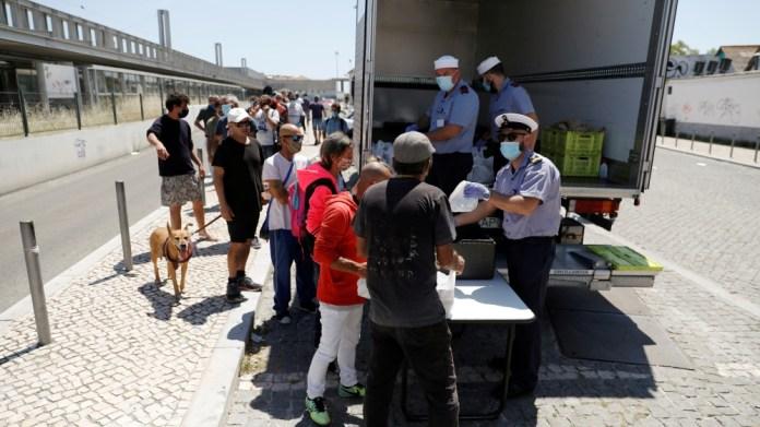 The coronavirus disease (COVID-19) outbreak in Lisbon