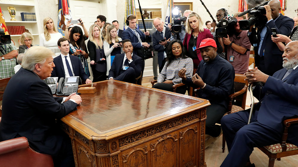 Kanye West w Trump at White House