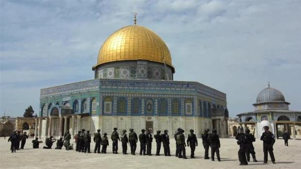 Jerusalem: Dividing al-Aqsa