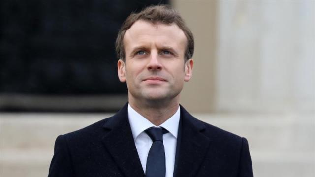 Will Macron bow to the demands of the 'yellow vest' protesters?