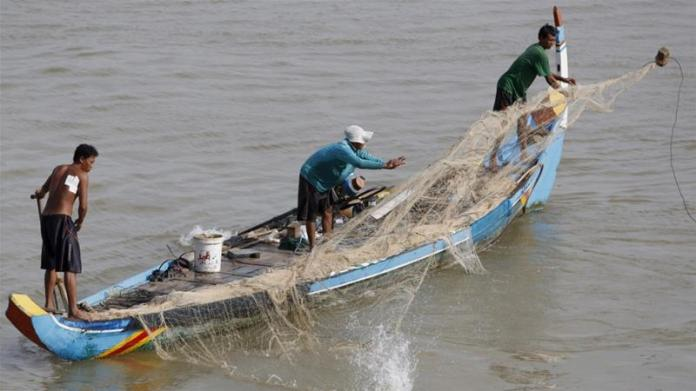With more than 100 dams along the Mekong or its tributaries, fish migration is blocked [FILE/Kith Serey/EPA]