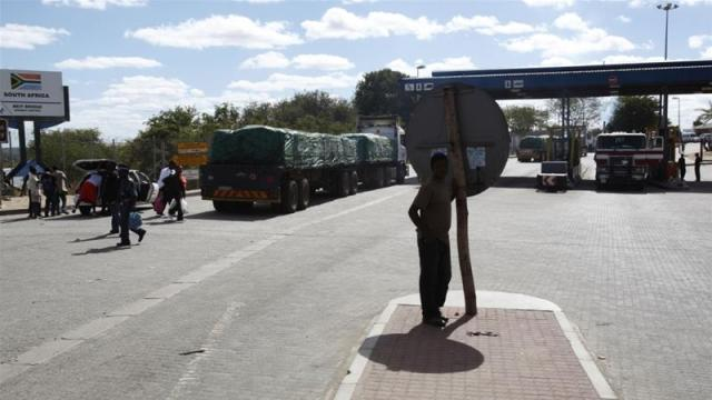 The South African side of the border crossing with Zimbabwe at Beitbridge [Steve Crisp/Reuters]