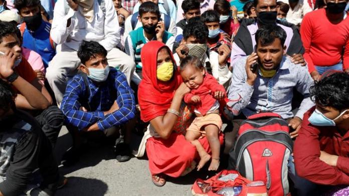 Coronavirus lockdown: India grapples with migrant workers' exodus ...