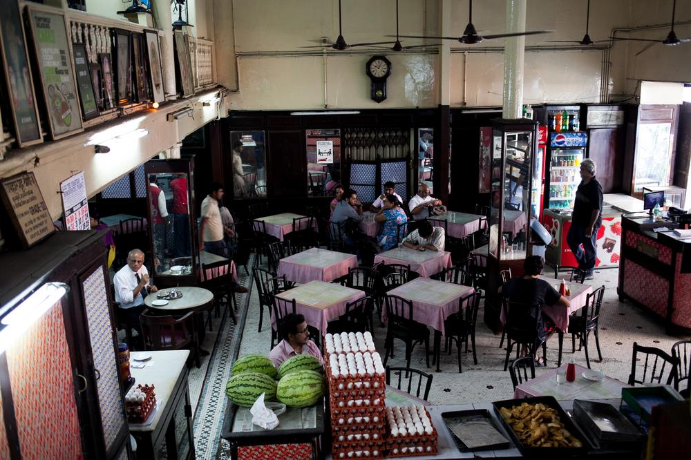 In Pictures Mumbais dying Irani cafes   Al Jazeera