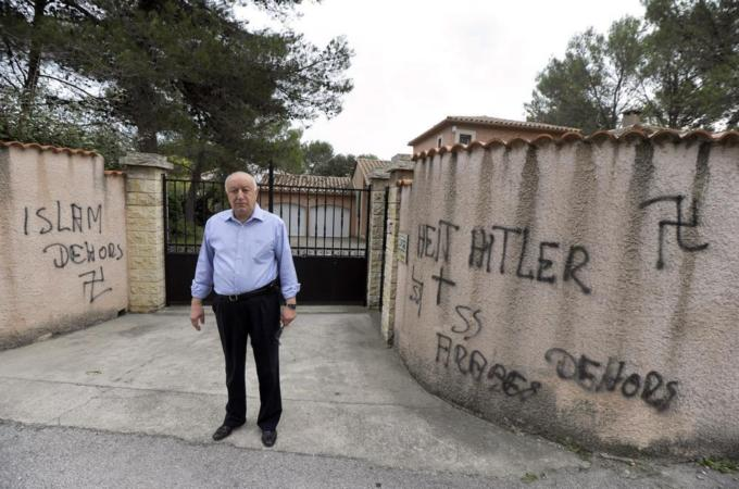 French nazis' Islamophobic and anti-Arab graffitti at cemetery