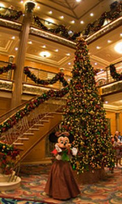 christmas caribbean cruise information and tips - When Do Cruise Ships Decorated For Christmas